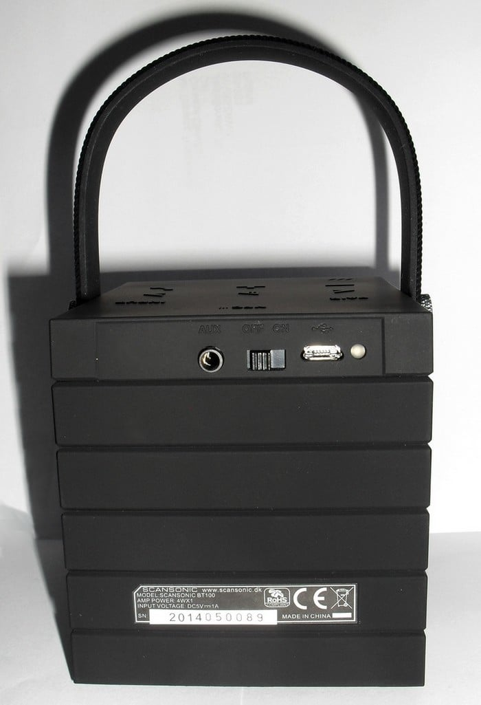 Mobilny głośnik 10W z baterią. Praca do 10h. Dotykowy panel, Bluetooth, NFC, wejście AUX, tryb głośnomówiący, gumowany, czarny, biały, zielony