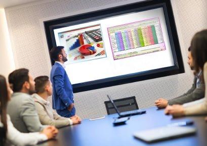 System do prezentacji, multiviewer do konferencji, wykładów, wyjścia 2x 1080p@60 lub 4k HDMI 2.0a, 5 wejść, do 5 okien (max 4 streamy wideo) na max 2 ekranach. Edycja okien, rozmiaru, położenia, blending, audio. Ethernet, WiFi. Windows, Mac, Android i IOS.